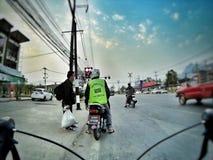 På vägen Fotografering för Bildbyråer