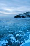 Is på yttersidan av Lake Baikal Arkivfoto