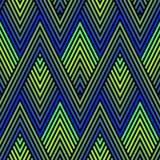 Påfågelfjäderprydnad Sömlös modell för vektor med färgrika sicksacklinjer, band, rastrerade romber, sparre vektor illustrationer