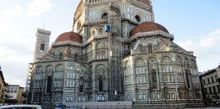 Pågående arbete som återställer en domkyrka i Italien Royaltyfri Bild
