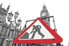 Pågående tecken för arbete nära den brittiska parlamentet, London Arkivfoto