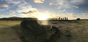 Påskö - Rapa Nui - AHU TONGARIKI - JPDL royaltyfri bild