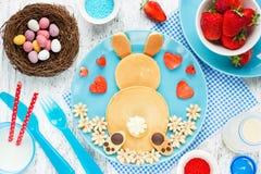 Påsk Bunny Breakfast Pancake Fotografering för Bildbyråer