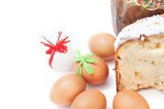Påsk två och ägg på vit bakgrund royaltyfri bild
