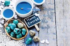 Påskbakgrund med kulöra ägg Royaltyfri Foto