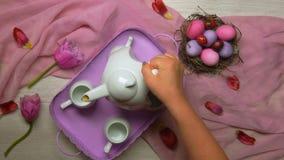 PÃ¥skfrukost i rosa signaler lager videofilmer
