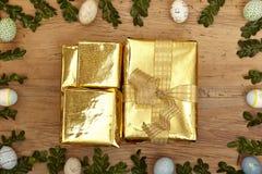 Påskgarnering, guld- gåvor Royaltyfri Bild