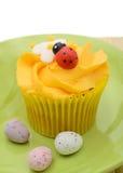 Påskmuffin och ägg Royaltyfri Foto
