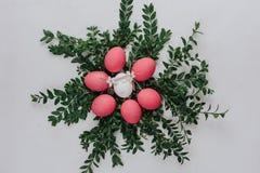 Påsksammansättning med målade ägg Royaltyfri Foto