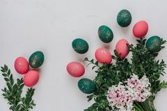 Påsksammansättning med målade ägg Royaltyfria Foton