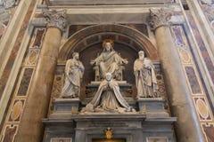 Påvar och Jesus i St Peters royaltyfri foto