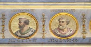 Påve Adrian III och Stephen VI Arkivfoto
