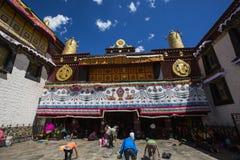 Pèlerinage de temple de Jokhang Image libre de droits