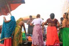 Pèlerins à Varanasi, Inde Photos libres de droits
