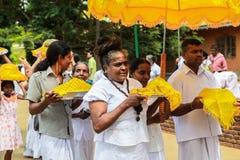 Pèlerins dans Anuradhapura, Sri Lanka Photos libres de droits