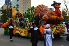 Pèlerins et flotteur de la Turquie dans le défilé de thanksgiving Photographie stock