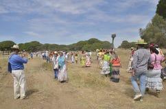 Pèlerins wlaking à l'EL Rocio Photos stock