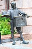 Père Carlo. Statue en bronze de characte Images stock