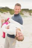 Père conduisant son de fille Photos libres de droits