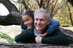 Père et descendant heureux Image stock