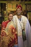 Père et descendant s'usant le caillot africain Photos libres de droits