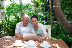 Père et fille en café Image libre de droits