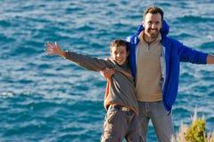 Père et fils. Image libre de droits