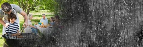 Père et fils au BBQ avec la transition grunge noire Photo libre de droits