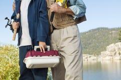 Père et fils en voyage de pêche photographie stock