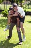 Père et fils - sensation heureuse Photo stock