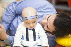 Père et son bébé Image stock