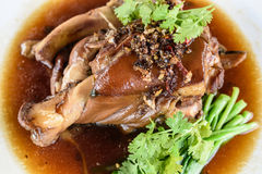 Pé da carne de porco do vapor com vegetal Fotos de Stock