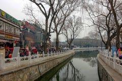 PÉKIN, CHINE - 12 MARS 2016 : Le vieux hutong de Pékin avec le son Photos stock