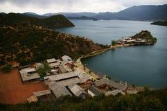 Péninsule de trellis de lac Lugu Image stock