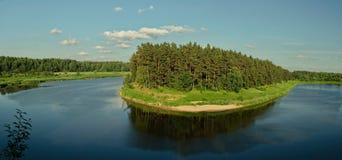 Péninsule en rivière Venta Photographie stock libre de droits