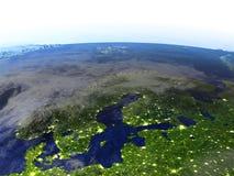 Péninsule scandinave la nuit sur le modèle réaliste de la terre Photographie stock