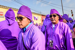 Pénitents jeudi saint, Antigua, Guatemala Photo stock