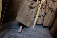 Pénitents pendant le cortège de Pâques en île de Majorque Photo stock
