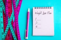Pérdida de peso y fondo del concepto de control de la dieta Colorido de la mañana Imagen de archivo libre de regalías