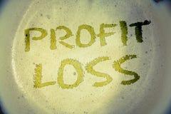 Pérdida del beneficio de la demostración de la nota de la escritura Las fotos del negocio que muestran cuenta de finales de ano f Fotos de archivo