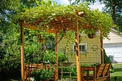 Pérgola del patio trasero Imagen de archivo libre de regalías