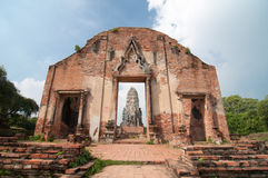 Période antique de Wat Rat Burana Ayutthaya Images stock
