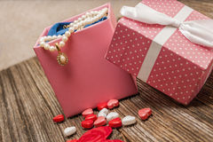 Pérola do dia de Valentim, diamante, necklase, presente Imagens de Stock Royalty Free