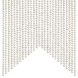 A pérola pálida natural perla a colar que pendura em uma forma do swallowtail da ensamblagem imagens de stock royalty free