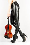 Pés bonitos do violinista Imagem de Stock