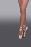 Pés da bailarina Imagens de Stock