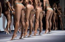 Pés de concorrentes do biquini da aptidão Imagem de Stock Royalty Free