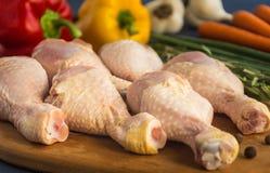 Pés de galinha crus crus Fotos de Stock