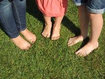 Pés desencapados prontos para a caminhada descalça Foto de Stock Royalty Free