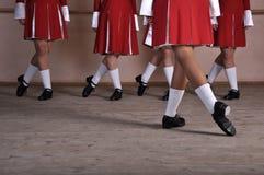 Pés dos dançarinos irlandeses fotografia de stock